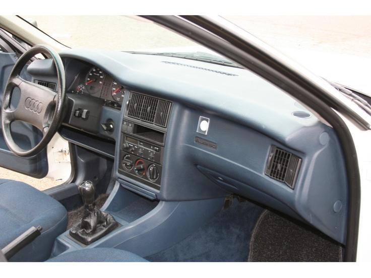 Audi Model: 80 Type: 1.8 S Inrichting: Sedan (4 drs) Vermogen motor: 89 PK Aantal cilinders: 4 Bouwjaar: december 1988 Kleur: Licht wit Bekleding: Stof (Antraciet) Brandstof: Benzine Versnellingsbak: Handgeschakeld, 5 versnellingen Km. stand: 39.000 km Cilinderinhoud: 1.760 cc Gewicht (leeg): 1.050 kg Max. trekgewicht: 1.200 kg BTW/Marge: Marge Prijs: € 5.450 Kosten rijklaar maken: € 650