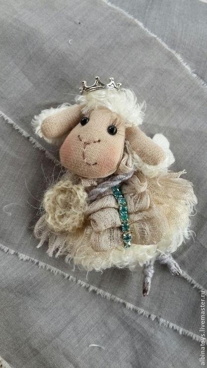 Текстильная брошь Овечка-ангелок. 5 видов. - серый,овечка,брошь,текстильная брошь