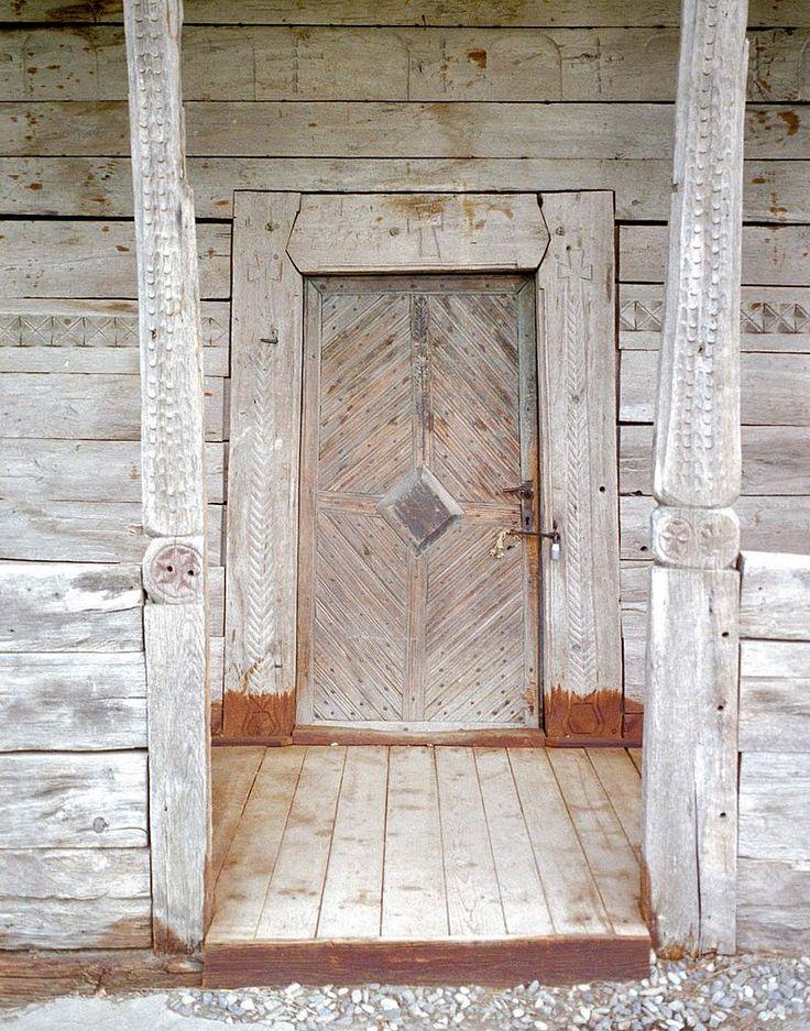 Miroslovesti.intrare - Biserica de lemn din Miroslovești - Wikipedia