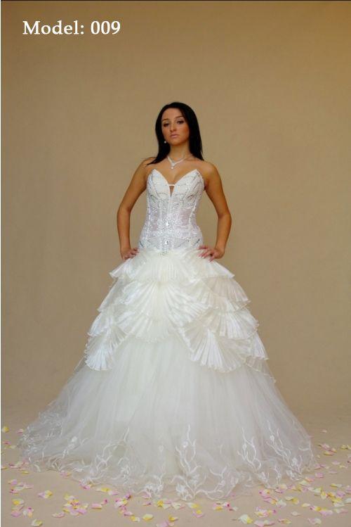 Producent Sukien Ślubnych ELIZABET CHEŁM