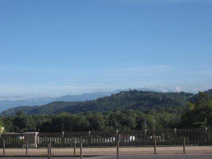 Le Boulevard des Pyrénées, 64000 (Aquitaine) Pau France.