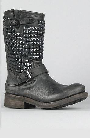Kind of pretty much CRUCIAL... Ash Titan Boot: Studs Ash, Boots Black, Trash Boots, Black Studssho, Black Boots, Black Studs Sho, Ash Shoes, Cowboys Boots, Ash Trash