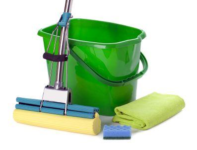 6 Cheap and Easy DIY Floor Cleaner Formulas