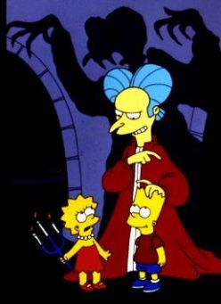 And Mr. Burns as Dracula (or rather Vampire Burns) in The Simpsons Treehouse of Horror IV ~~~ I love the shadow in the background just as much as the one in Bram Stoker's Dracula.