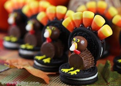 Oreo Cookie Candy Turkeys. The kids would love these! (Mom, too!)