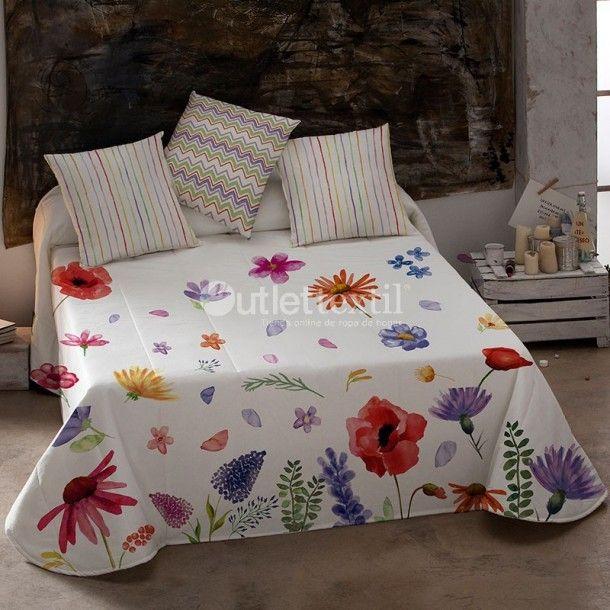 Edredón SILVAN De Colores. Atractivo estampado formado por llamativas flores donde destacan colores vivos que llenarán de vida tu habitación. Renueva tu ropa de cama con las nuevas creaciones de la firma De Colores.
