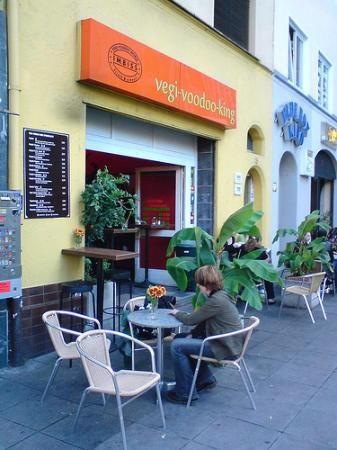 Falafel und Suppenrestaurant Stuttgart Mitte // https://de-de.facebook.com/pages/Vegi-Voodoo-King/170664072947741