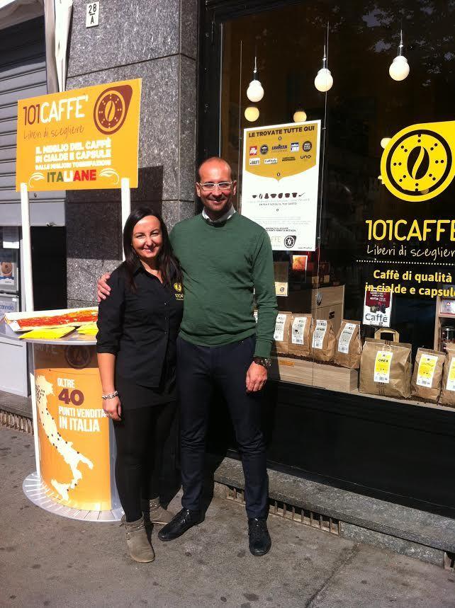 Sabato 10 ottobre tanti volti felici hanno accolto i nuovi affiliati Stefania e Claudio di 101 CAFFÈ Torino Santa Rita. Impegnati e fiduciosi, entusiasti e soddisfatti: questo il bilancio del loro debutto, questo lo spirito di 101CAFFE'! http://www.101caffe.it/blog/dettaglio-blog?a=inaugurazione-101caffe-torino-santa-rita