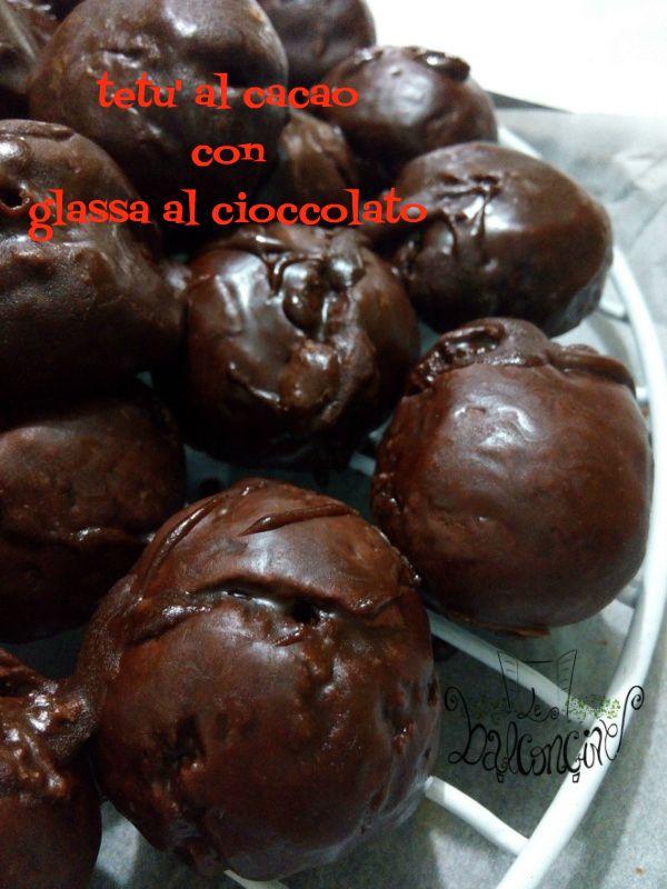 """Dopo la frutta martorana adesso è il turno dei tetù al cacao, i classici biscotti che non possono mai mancare, indispensabili ….. nella decorazione"""" ru'cannistru """"…. un cesto che insieme ad altri dolciumi, caramelle e frutta secca sarà la bellissima …"""