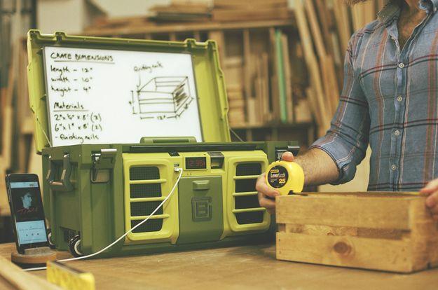 Una caja de herramientas que puede alimentar las herramientas.