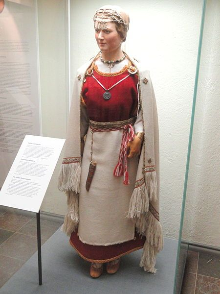 Perniö costume reconstruction, from 12th century grave - National Museum of Finland