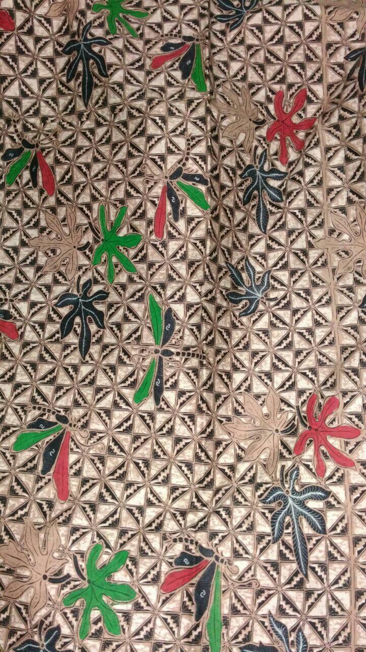 Batik Slobok Limited! Bisa berupa kain atau pilih model favourite Anda. Utk hem, sarimbit , family, juga bisa  SMS /WA +6281326570500, BBM 5B54D9C1 & D0503885, Path Aalina Batik, Line Aalina Batik, IG @aalinabatik, FB Aalina Batik.  #aalina #aalinabatik #aalinabatikdankebaya #aalinabatikindonesia #aalinageraibatik #kainbatik #batikbagus #batik #wayang #batikwayang #bahanbatik #sogan #batiksogan #truntumgurdo #sogancolet