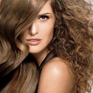 Saiba como tirar o alaranjado e amarelado dos cabelos loiros. Receitas que eliminam esse problema e deixam  os cabelos em tons acinzentados.