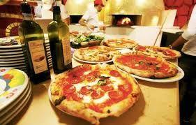 Muhteşem bir İtalyan yemeğine kim hayır diyebilir ki? Tadı damağınızda kalacak sosuyla tam da istediğiniz gibi pişmiş bir İtalyan makarnası, incecik çıtır çıtır bir pizza, yediğiniz andan itibaren ağzınızda dağılmaya başlayan İtalyan et yemeği ya da o çok meşhur İtalyan tatlıları…