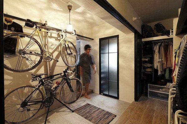 ロードバイクも余裕で収納できる玄関&土間