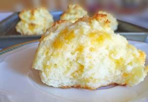 Cheddar Garlic Gluten Free Biscuits | Gluten Free Recipes | Gluten Free Recipe Box.  Tested these... turned out well for my garlic lovin' family.  (Garlic is NOT on my diet, but gad ti try one, and . . .yum!)