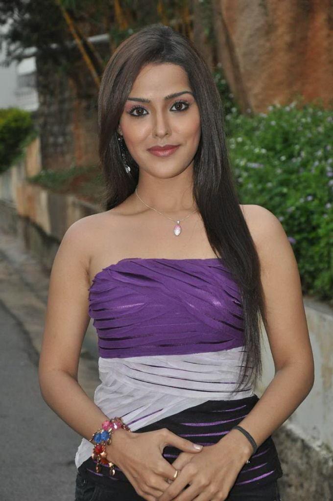 Priyanka-Chabra-Photo-Gallery