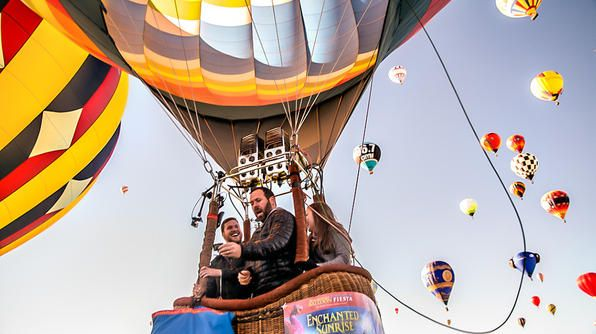 International Hot Air Balloon Fiesta- a 9-day event that features approximately 750 balloons in New Mexico!Balloons Fiestas, Goals Boards, Buckets Lists, Favorite Places, Blue Sky, 750 Balloons, Bert Adventure, Adventure Book, Hot Air Balloons