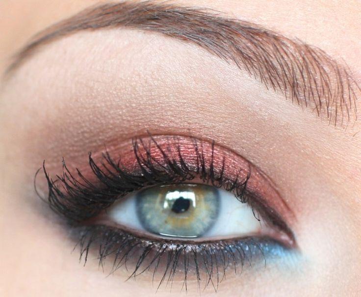 Plus de 25 id es yeux bleus tendance sur pinterest maquillage des yeux bleu maquillage yeux - Yeux bleu fonce ...