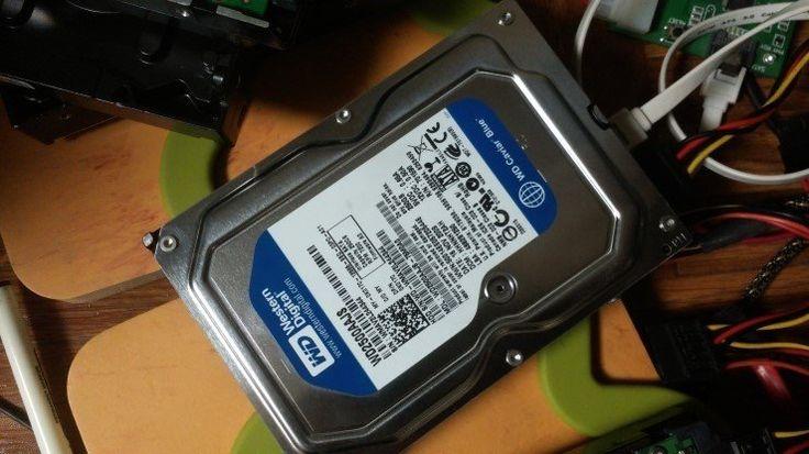 베드섹터난 WD2500AAJS 하드디스크복구약한 베드섹터 난, WD하드 250GB 복구사례입니다.특별한 문제점 없이, PC3000을 사용하여, 원활하게 복구되었습니다.아마, 회원님...