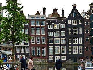 Amsterdam, nella top 3 delle capitali europee! Le tipiche case storte di Amsterdam