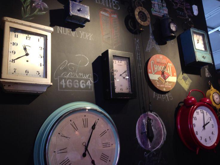 Mural de relojes