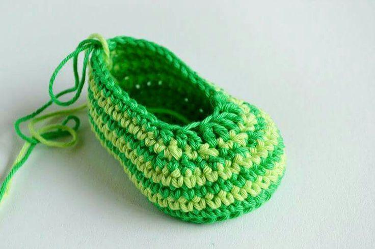 Mejores 333 imágenes de Sapatinhos de crochet e acessórios en ...