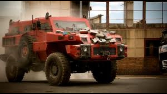 hummer marauder 10 ten 6x6 cummins driven daily tank watch bbc top gear video the clip speaks. Black Bedroom Furniture Sets. Home Design Ideas