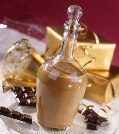 Liquore al Cioccolato fatto con il Bimby: LEGGI LA RICETTA ► http://www.ricette-bimby.com/2010/03/liquore-al-cioccolato-bimby.html