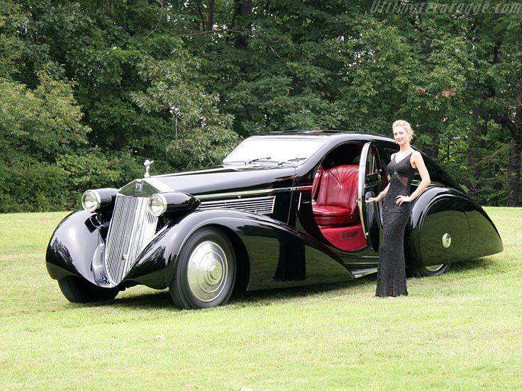 Feel the pure luxury with Rolls Royce Phantom Limousine
