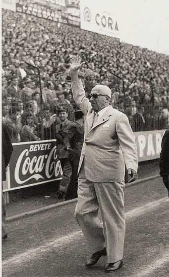 """Ricco armatore napoletano detto """"O Comandant"""" divenne presidente del club partenopeo nel marzo del 1936 fino al giugno del 1940 per poi tornare nel 1952 fino al giugno del 1961"""