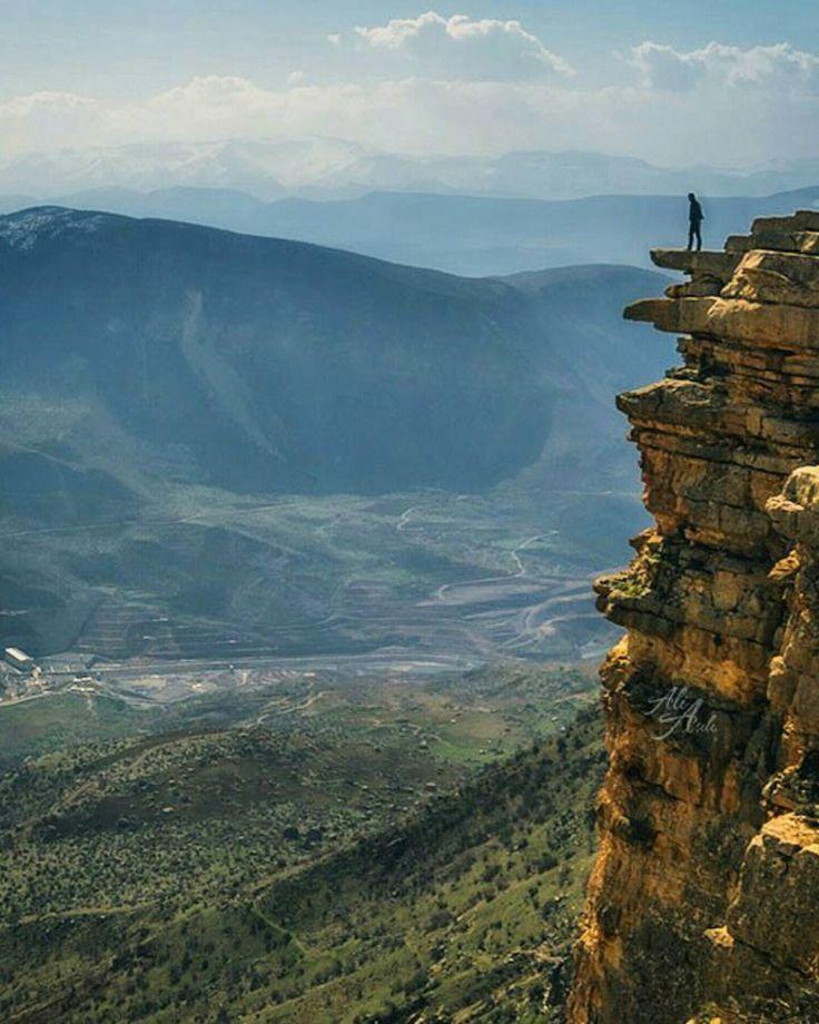 Fear of heights? #Tillo #Siirt #Turkey - Photo by Ali Asili @aliasili