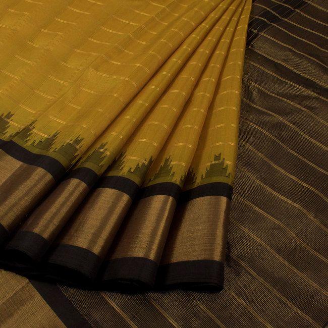 Handwoven Gadwal Kuttu Silk Saree With Checks & Temple Border 10020270 - AVISHYA.COM