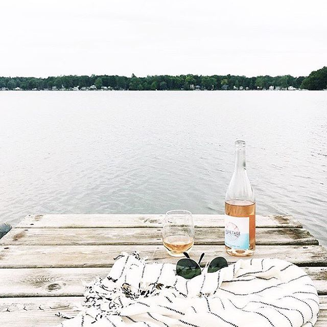 Wow @savagedesignco, you definitely have the right idea when it comes to enjoying Sauvetage!  It's safe to say we are officially dreaming of the weekend already.  #summer #wine #rosé #goals #weekendvibes  Order today (link in bio) and have your wine in time for the weekend!