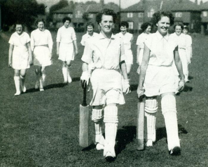 Old Photo - Women's Cricket
