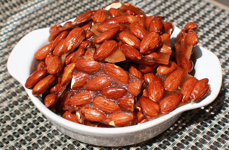 What's Cookin' Italian Style Cuisine: Butter Rum Almond Brittle Candy Recipe