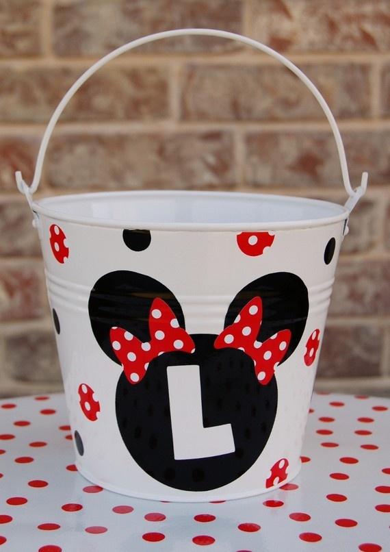 bucket..so easy with vinyl!!!!