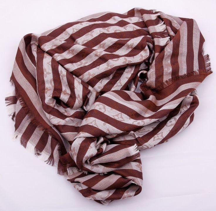 Новая модель, теплый палантин-платок Louis Vuitton коричневый в полоску с монограммами. Материал шерсть + шелк металлический люрекс. Размер 140х140см #19346