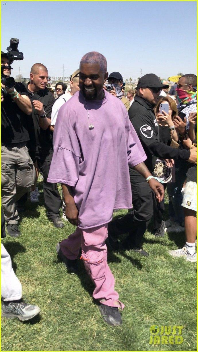 Kanye West At His Sunday Service Set At The 2019 Coachella Music Festival The Kanye West Style Kanye West Outfits Kanye Fashion