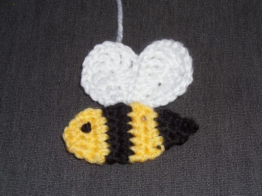 Buzzy Bee Baby Blanket with Matching Hat - Crafty Cori Strikes Again