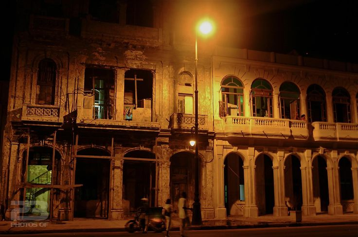 Crumbling Splendour - Midnight on the Malecon photo | 23 Photos Of Havana