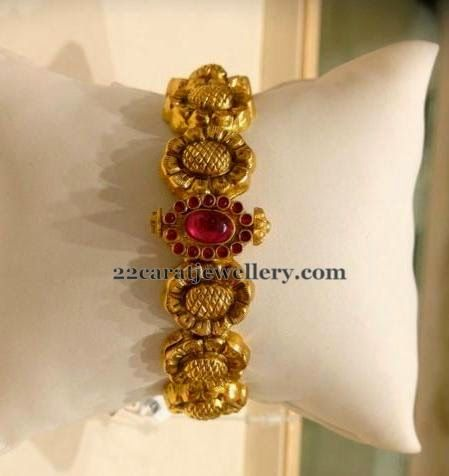 Jewellery Designs: Bangle with Flower Design