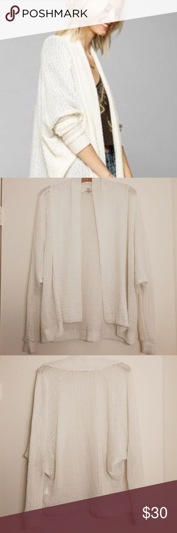 "Urban Outfitters Ecote ""batwing"" sweater size xs Urban Outfitters Ecote ""bat wing"" sweater size xs light sweater great to layer over a plaid shirt in the winter and to wear with a tank or tee in the fall or spring! Barely warn, in great condition Urban Outfitters Sweaters Cardigans"