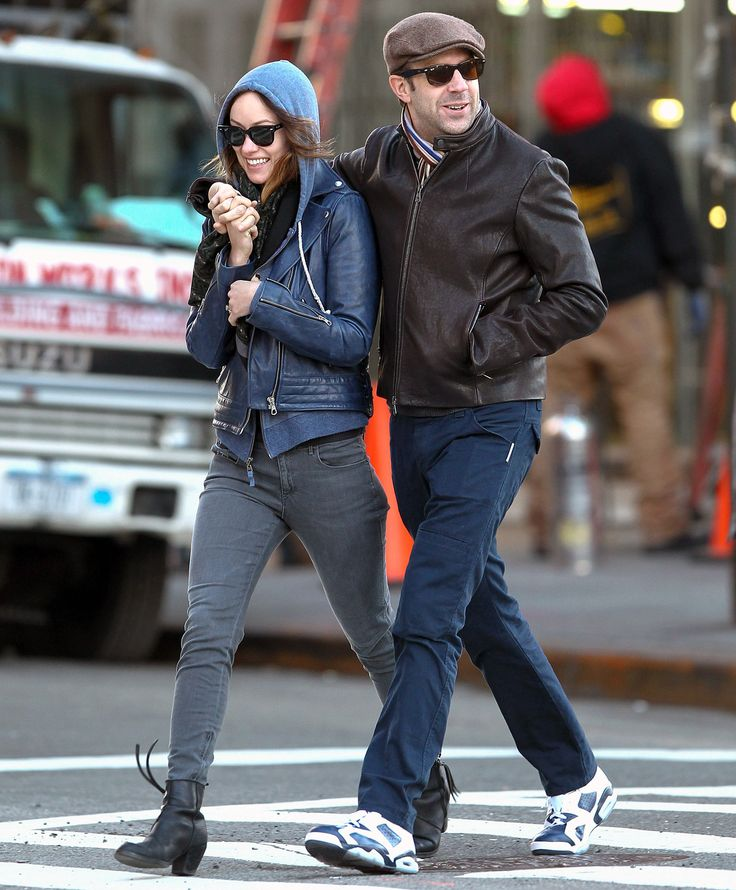 Olivia Wilde and fiance Jason Sudeikis had an affectionate stroll in NYC's West Village March 5.