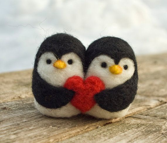 Needle Felted Penguin Love Birds por scratchcraft en Etsy