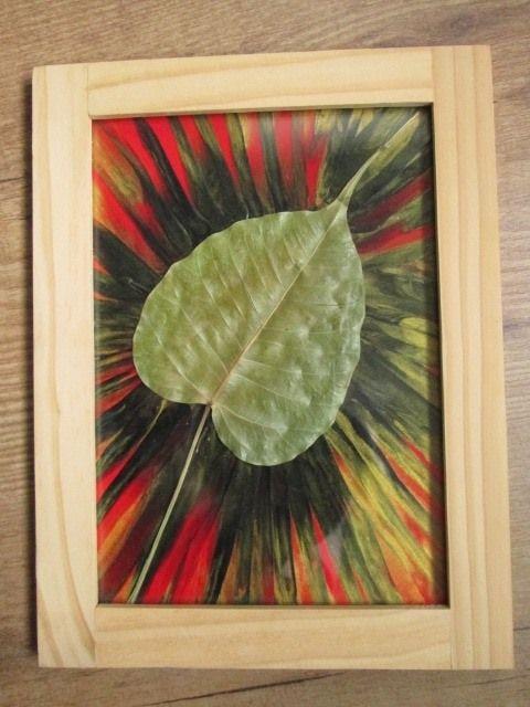 Even geleden vond ik mijn in Thailand meegenomen Buddah leaf terug:        Klein cadeautje Lees hier het verhaal van het blad Lees meer      Blij als ik was met mijn teruggevond