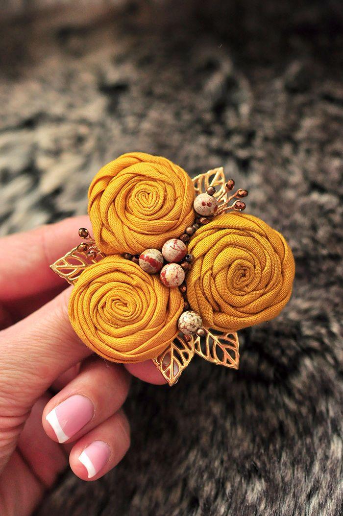 """Купить Брошь """"Теплый песок"""" - комбинированный, брошь, песочный цвет, брошь текстиль, брошь цветок"""