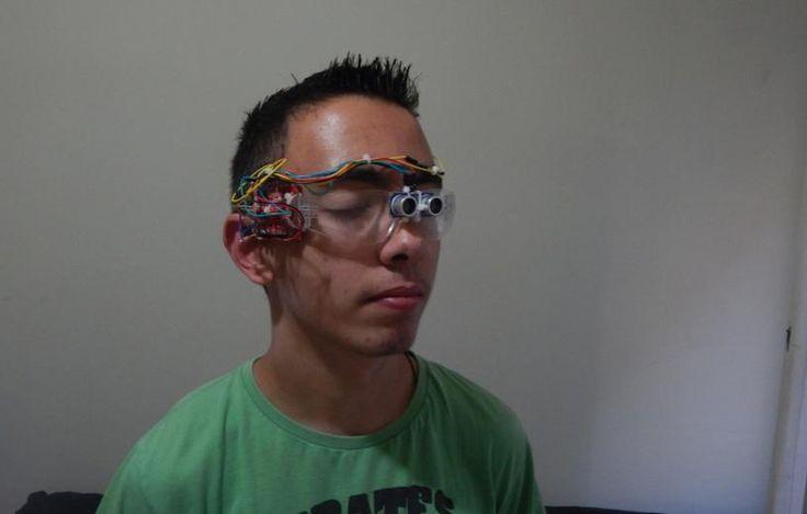 Έλληνας μαθητής βραβεύεται από την Google-Εφηύρε ειδικά γυαλιά που αντικαθιστούν τα μπαστούνια των τυφλών | Το Κουτί της Πανδώρας