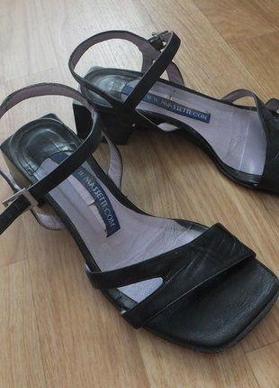 Kupuj mé předměty na #vinted http://www.vinted.cz/damske-boty/sandaly/15653576-cerne-sandale-na-podpatku