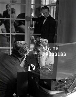 Danny Kaye aan de receptie van het Savoy Hotel in Londen; 1950.